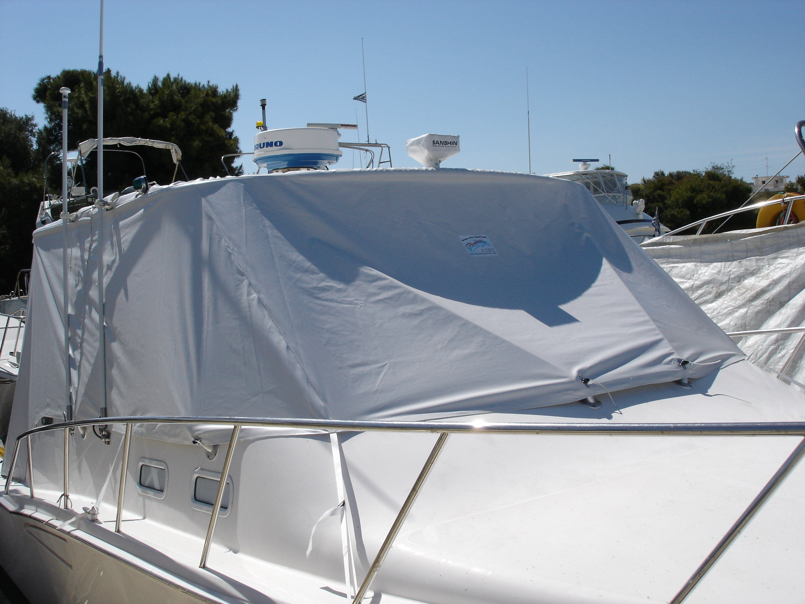Cabo 35 Express Quick Installation & Removal boat cover.