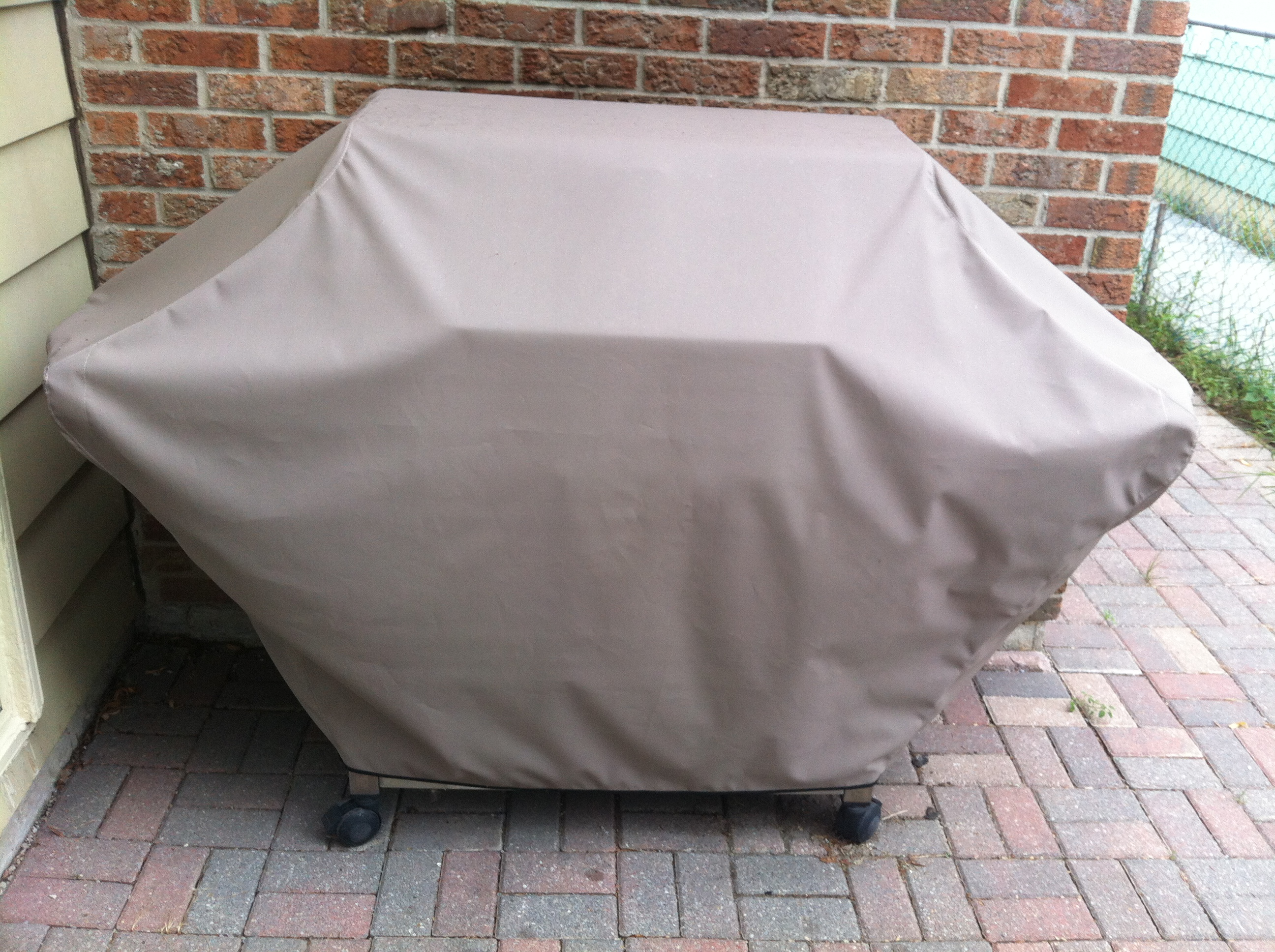 BBQ Cover ODYSSEY™ Taupe 408